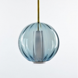 Suspension Globe - Collection Moire - Bleu Océan - Atelier George - Photo ©Atelier George