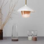 La carafe - Les verres - Suspension Lanterne - Collection Moire - Moka et beige clair - Atelier George - Photo ©Atelier George