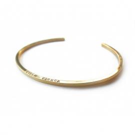 Bracelet carré en vermeil - Laiton doré à l'or fin - Lucy Luce - Photo © Lucy Luce
