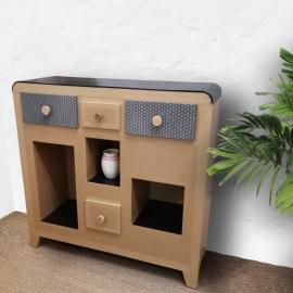 Meuble en carton - La Chaise en carton - carton recyclé - upcycling - Photo © GARANCE CASSIEN