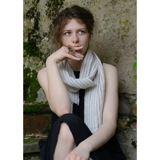 Unique and chic postcard for a gift to customise - Handwoven scarf - GARANCE CASSIEN - Photo ©GARANCE CASSIEN