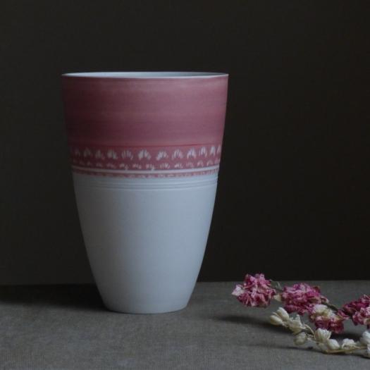 White porcelain vase - pink - ceramics by Laetitia Leclere - Photo © Laetitia Leclere