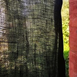 Rideau en gaze de lin noir Linge Particulier - Photo © GARANCE CASSIEN
