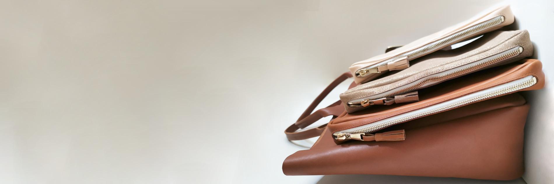 Léonny Cha <p>Des accessoires de cuir dans un style chic naturel et minimaliste</p>